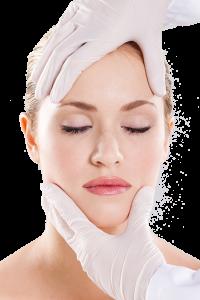 אישה לאחר ניתוח קוסמטי לפנים